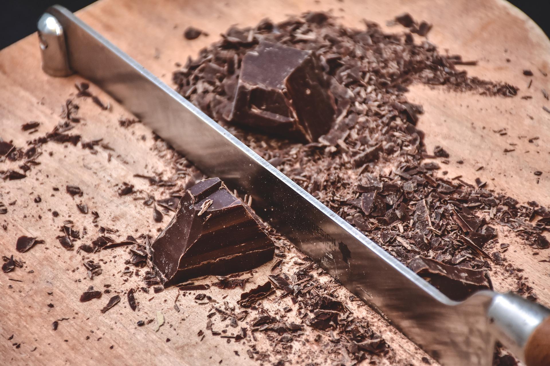 chocolate-2360225_1920.jpg