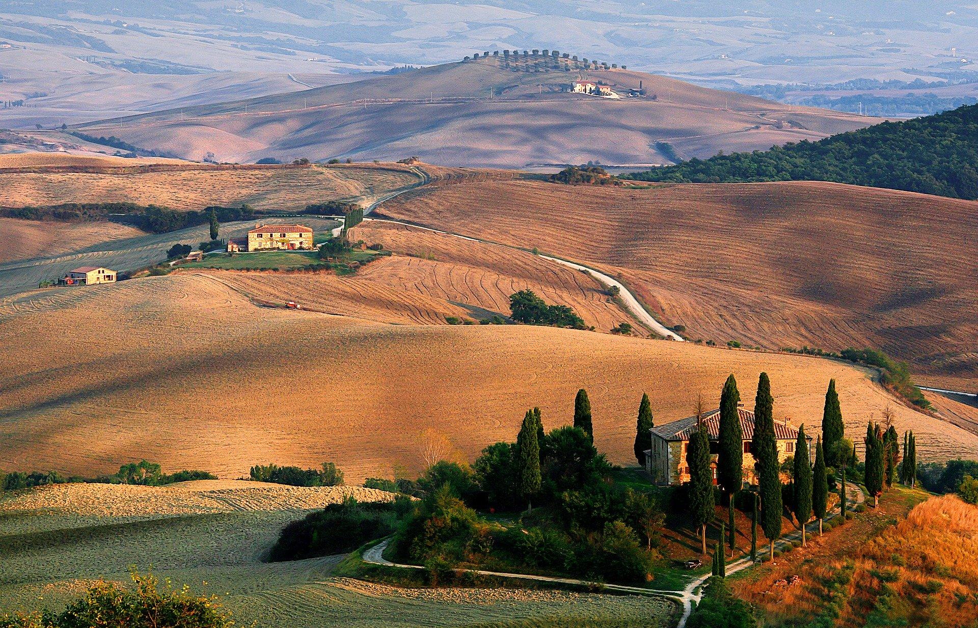 tuscany-1707192_1920.jpg